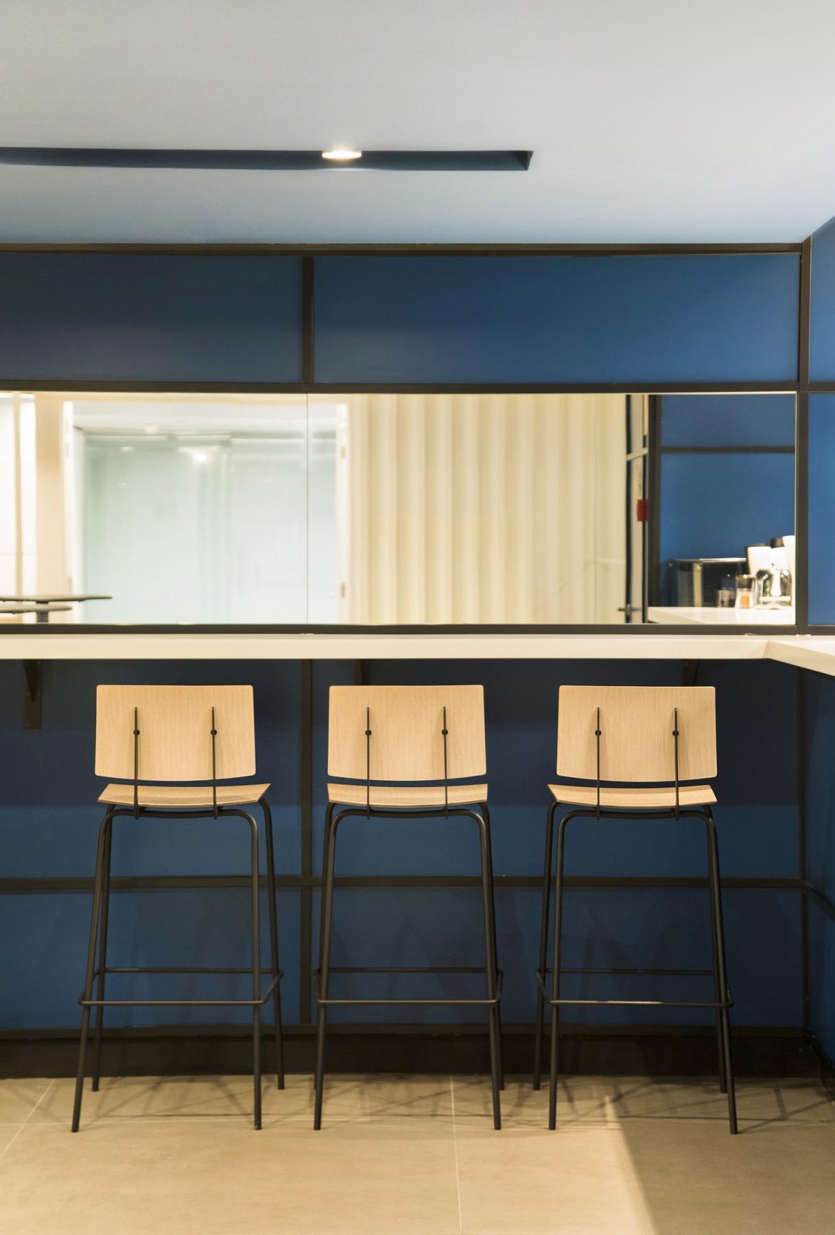 Caixabank torres diagonal for Estudios de interiorismo barcelona